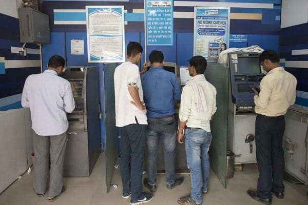 Cash crunch eases, SBI says problem to be resolved by Friday