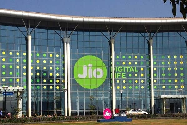 Reliance Jio in talks with Qualcomm to launch laptops with SIM card