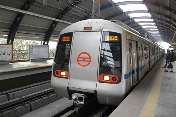 Delhi metro services: services resume on blue, pink lines