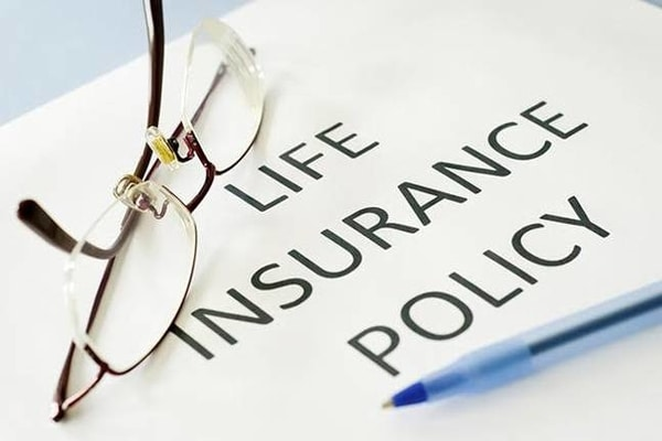 E-card: Digital card to inform your family about your insurance policies