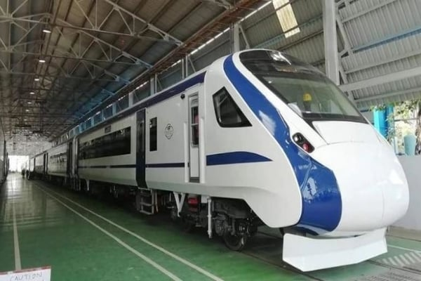 Vande Bharat Express: India's First Engine-less Train, Full Details