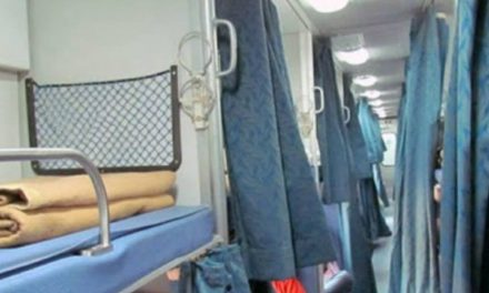 Coronavirus scare: Indian Railway withdraws blankets, curtains from AC Coaches