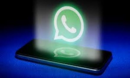 WhatsApp to add more colors to dark theme, allow group voice and video calls on web