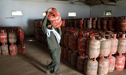 LPG cylinder cheaper by Rs 46 now non subsidized gas will be available at this rate