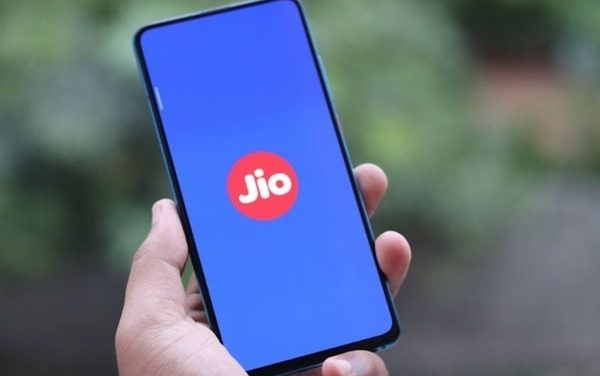 Reliance Jio rolls out Rs 3,499 annual data plan with 3GB daily data, details here.